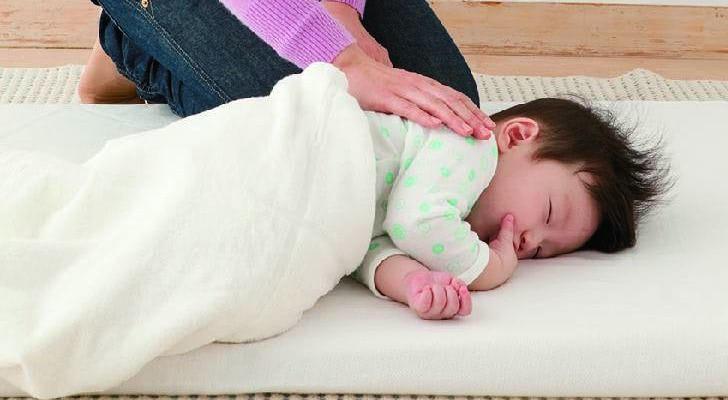 離乳食を吐いたとき 寝かせ方